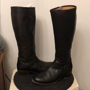 Real leather dark brown Frye boots